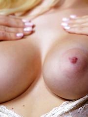 Natalia Starr masturbates her sweet pink pussy on heart's day