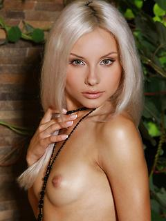 Nude Chicks Pussy Adelia A